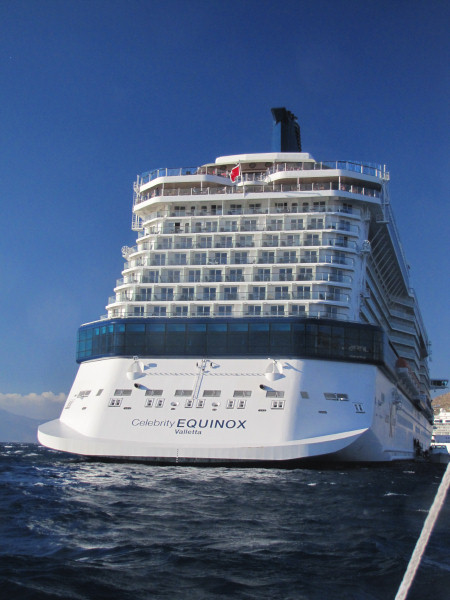 Show Picture Full Size Celebrity Equinox